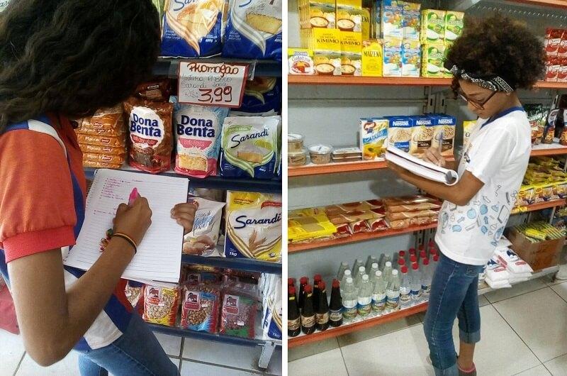 Alunos fazendo compras em mercadinho para exercitar a matemática