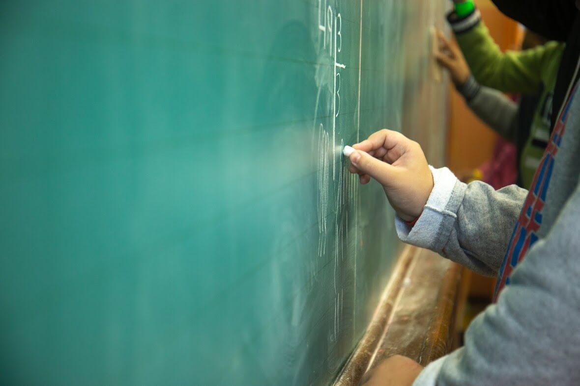 Escolas são a base de construção para um país mais pacífico