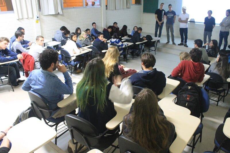 Alunos do projeto Einstein Brasil