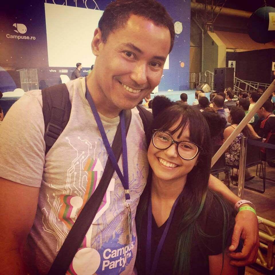 Emmanuele e seu pai na Campus Party de Recife