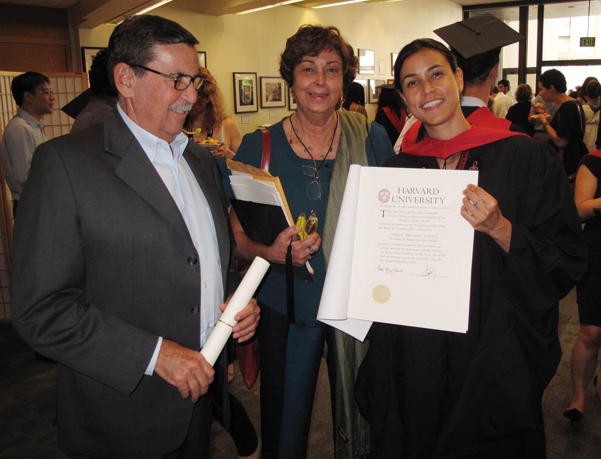 Camila durante sua formatura em Harvard