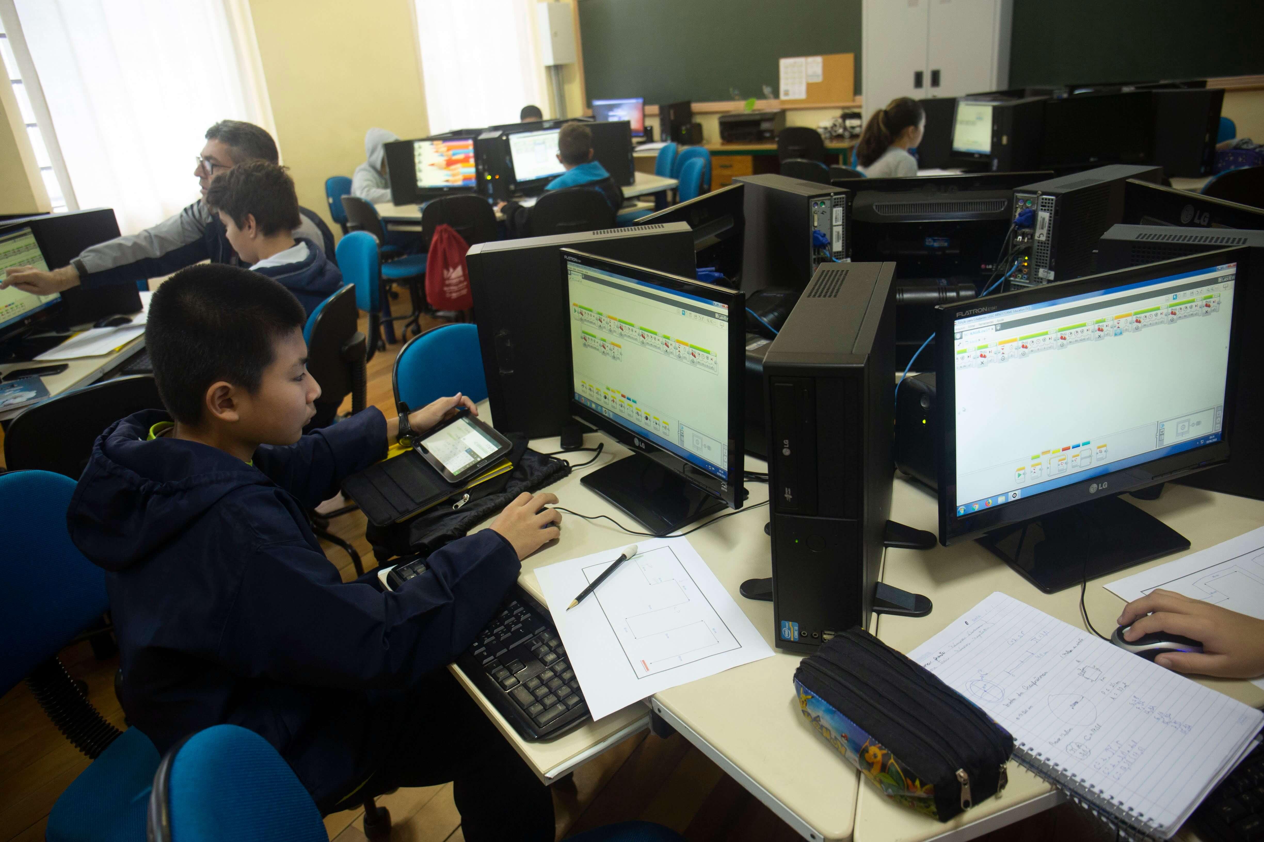 O desafio de conectar as escolas à internet