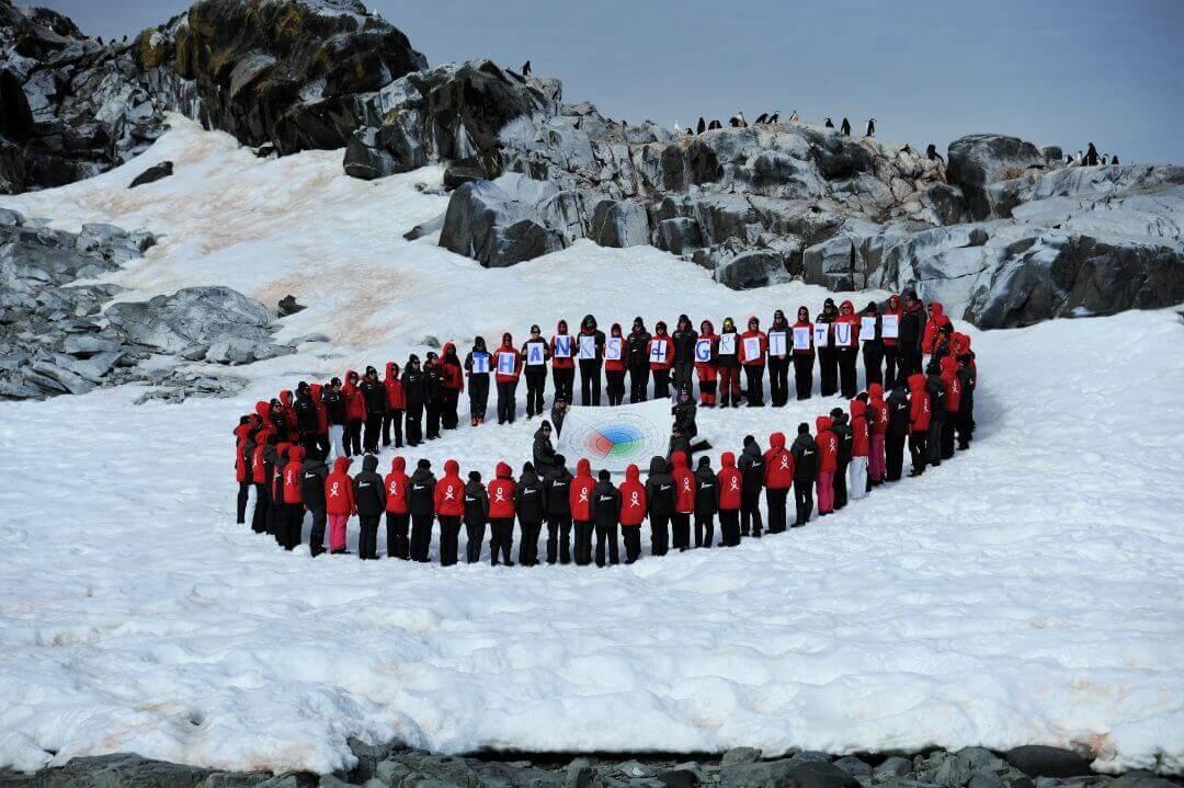 90 mulheres em roda participaram da expedição ao pólo sul para estudar as transformações do mundo