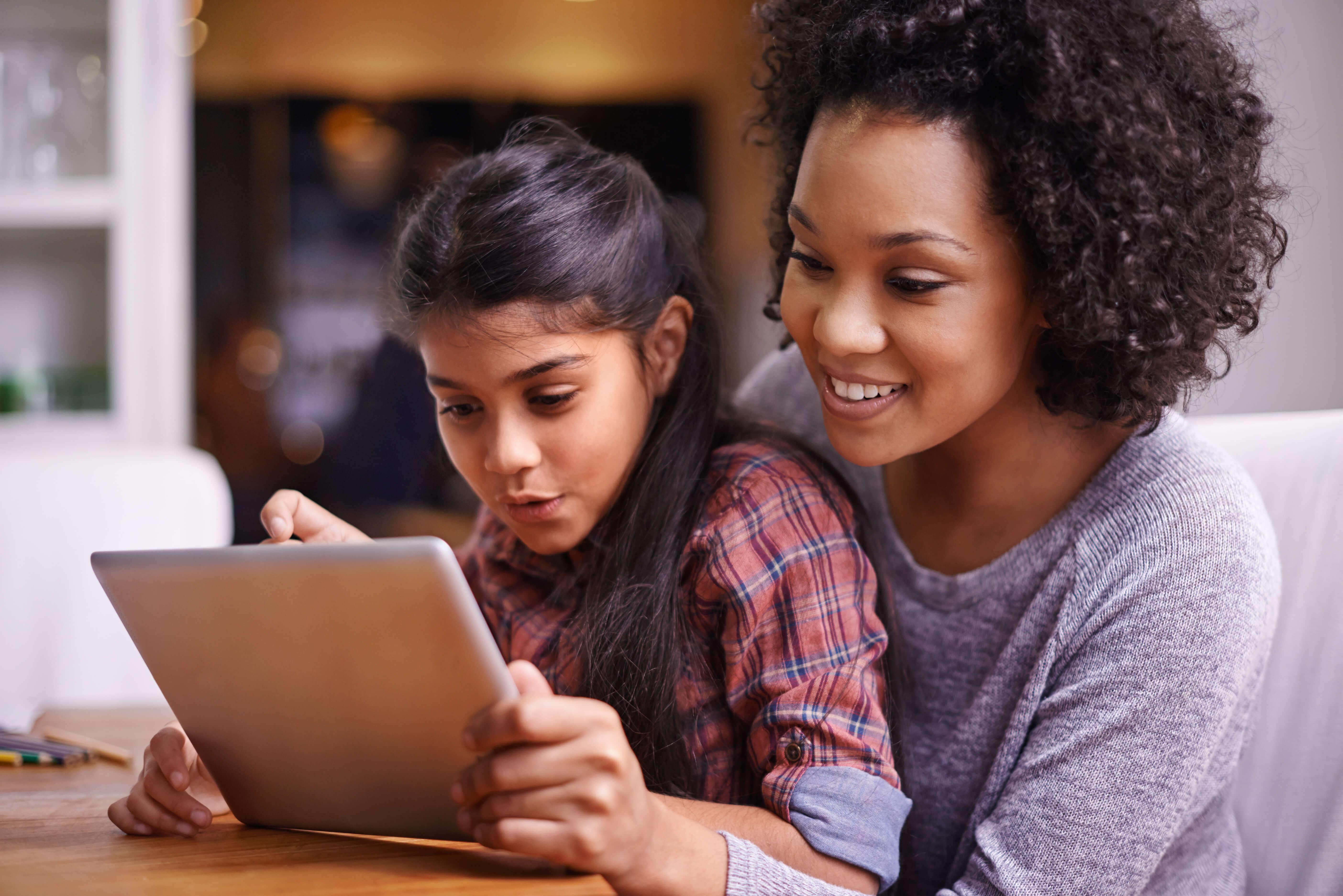 92% dos pais defendem o modelo híbrido no retorno às aulas