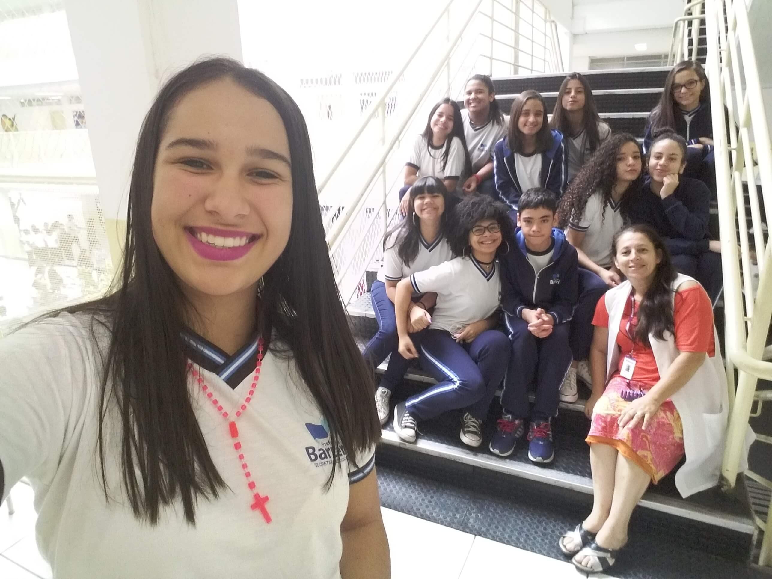 Amigos da História: Professora e Alunos aprendendo juntos
