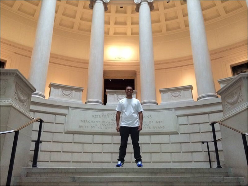 Abidan durante visita ao Museu de Belas Artes de Boston