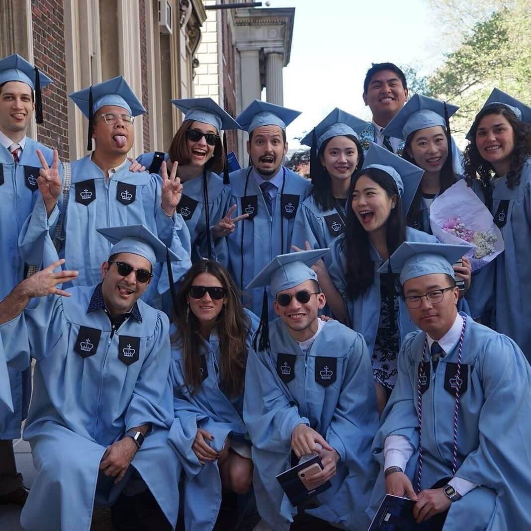 Guilherme com outros estudantes da Universidade de Columbia